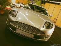 Aston_martin_vanquish03.jpg